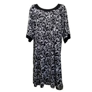 Chelsea Studio 2X Dress Black White Floral Stretch